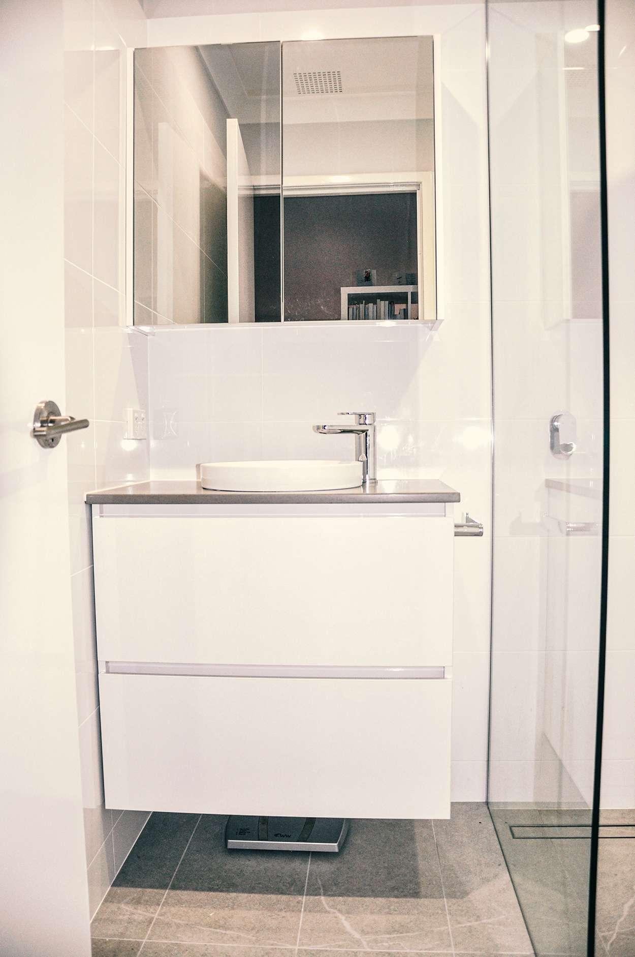 luxurious bathroom vanities in perth